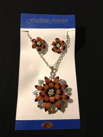 Diamond Like Two Tone Brown Color Floral Designe Necklace Earring Set