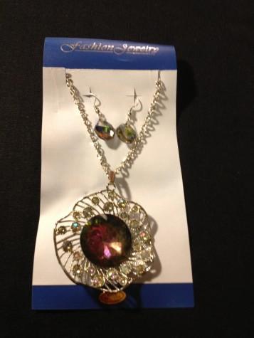 Sunburst Style and Heart Shape Style Necklace / Earring Set