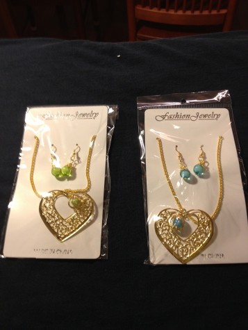 Heart Shape Necklace / Earring Set with Colored Bead.